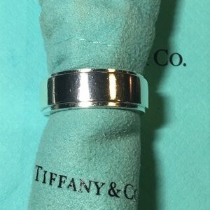 Tiffany & Co Metropolis ring size 11